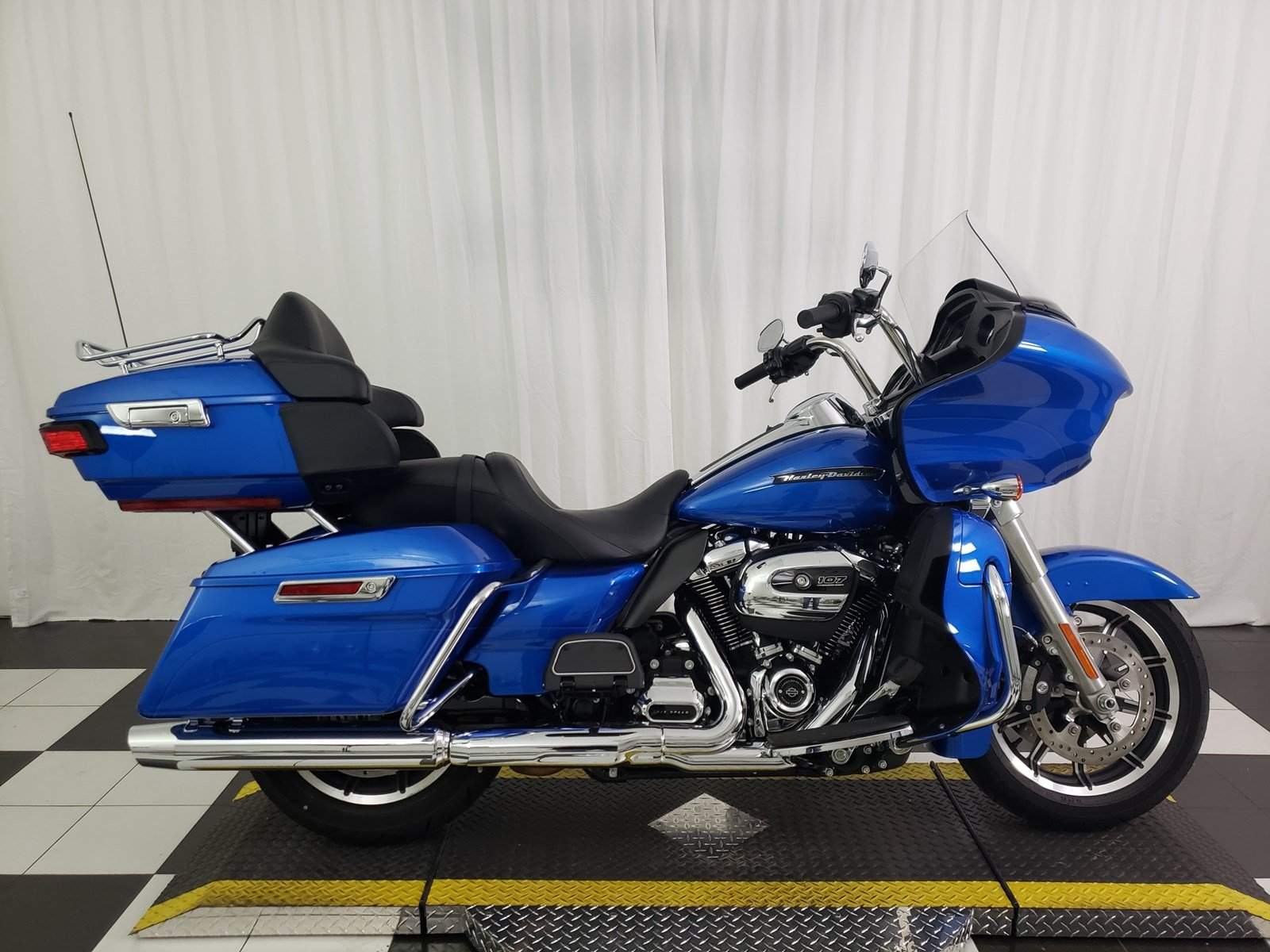 Pre-Owned 2018 Harley-Davidson Road Glide Ultra FLTRU