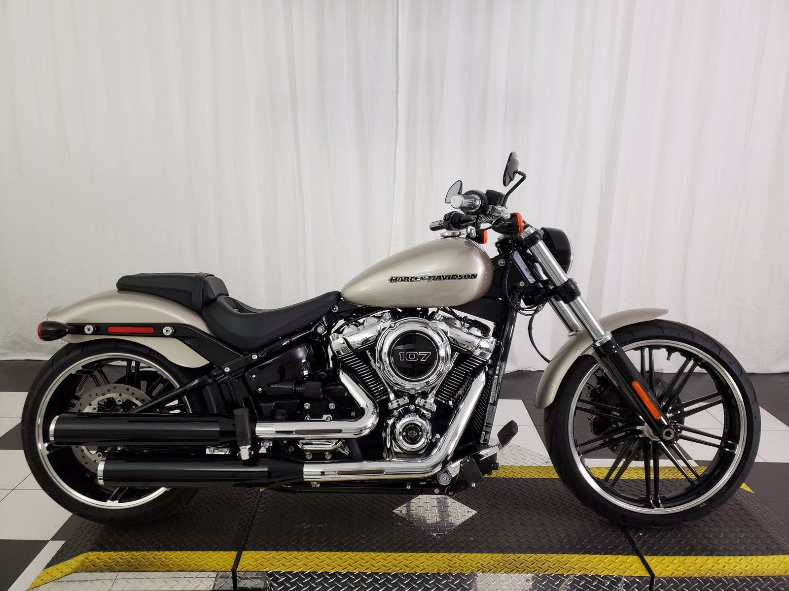 Pre-Owned 2018 Harley-Davidson Softail Breakout FXBR